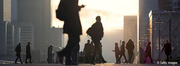 Salarié, travailleur indépendant… Faut-il créer un troisième statut ?