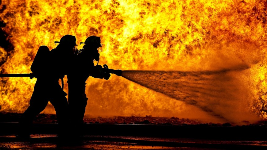 Pourquoi, face au feu, les pompiers y arrivent-ils toujours ?